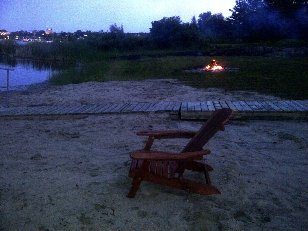 Enjoy Bonfires and marshmallows by the lake in any season.